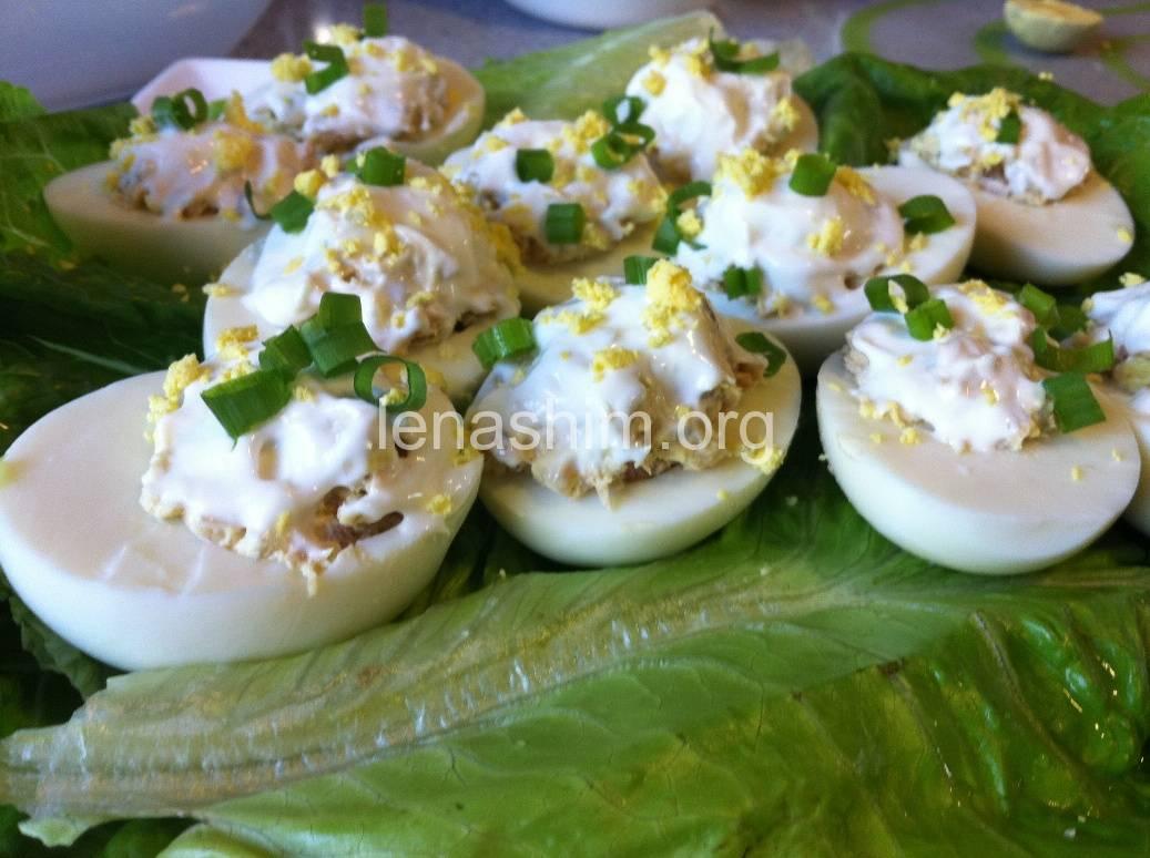 סלט ביצים ממולאים
