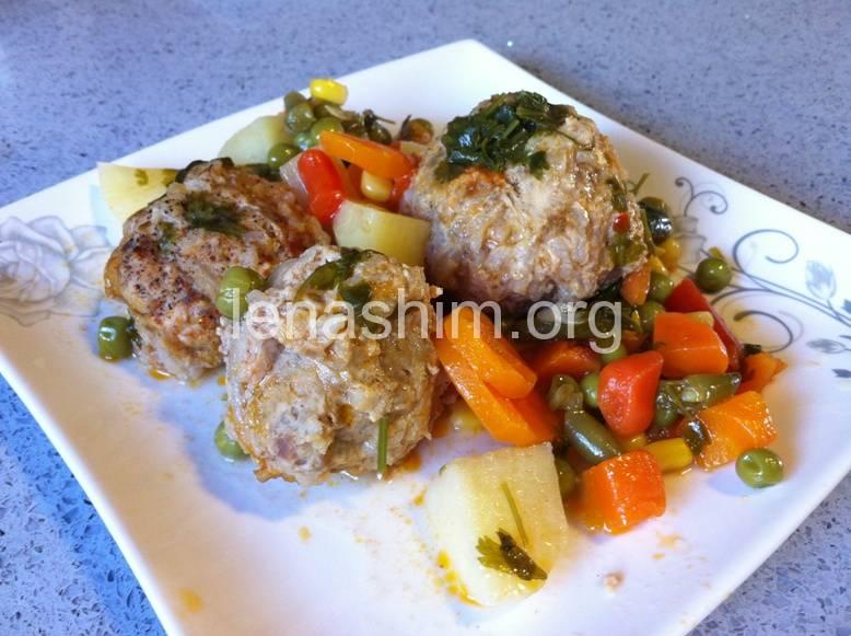 גולש ירקות עם קציצות בשר