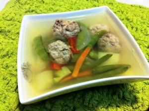 מרק עם קציצות ולקט ירקות