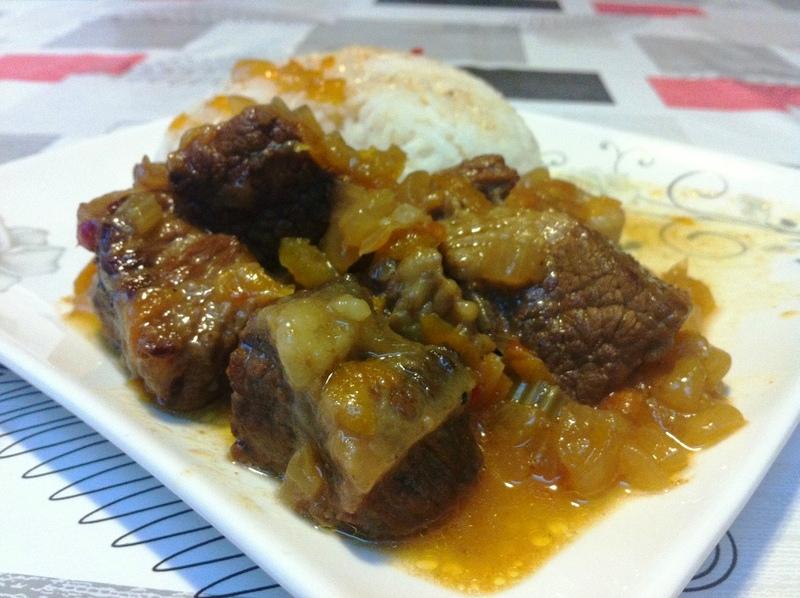 בשר בקר עם ירקות ברוטב